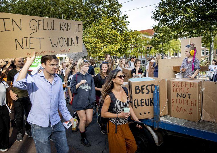 Eerder deze maand gingen duizenden mensen de straat op bij het woonprotest, een demonstratie tegen de problemen op de woningmarkt.  Beeld ANP