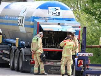 Straat afgesloten na lek in vrachtwagen die vloeibare zuurstof vervoert