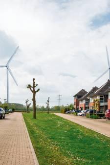 Geen tien windturbines langs de A15 maar 'zo veel als acceptabel is voor omwonenden en in de omgeving past'