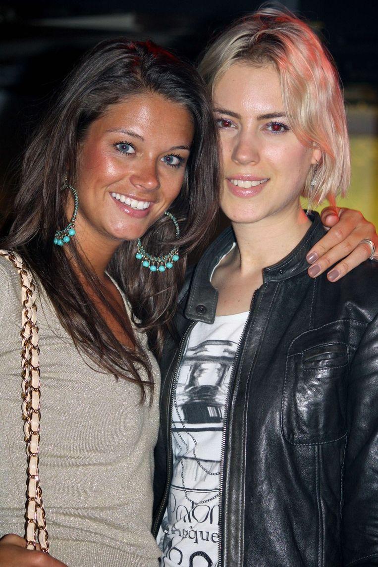Kim Harmsen van Supertrash (l) en beautyjournalist Karlijn Visser  <br /> Beeld null