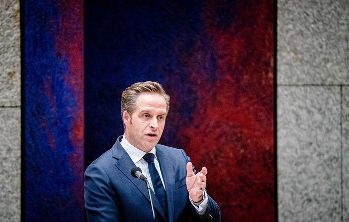 Demissionair Minister Hugo de Jonge van Volksgezondheid, Welzijn en Sport (CDA) in de Tweede Kamer tijdens een debat over de ontwikkelingen rondom het coronavirus.