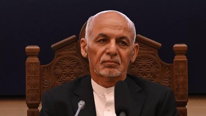"""""""Afghaanse president vluchtte met helikopter en vier wagens vol geld"""""""