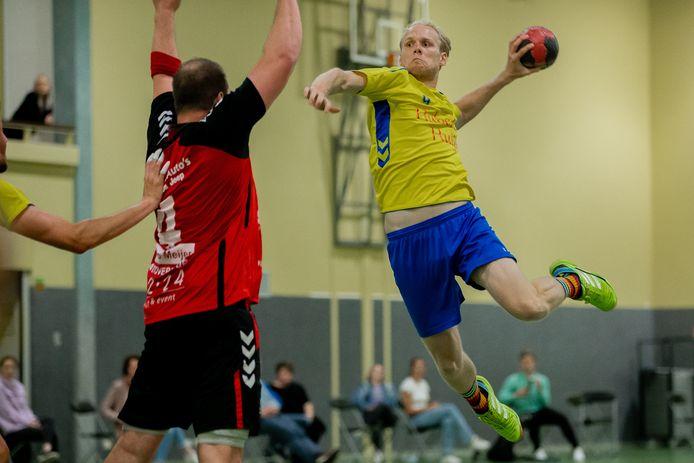 Hastu in actie tijdens de eerste wedstrijd van het huidige seizoen.