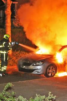Uitgebrande auto gebruikt bij liquidatie Den Haag
