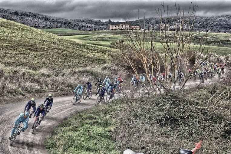 De Strade Bianche, nu al door sommigen vroegtijdig tot monument verheven en het sein voor veel wedstrijden om ook de onverharde toer op te gaan.  Beeld Photo News