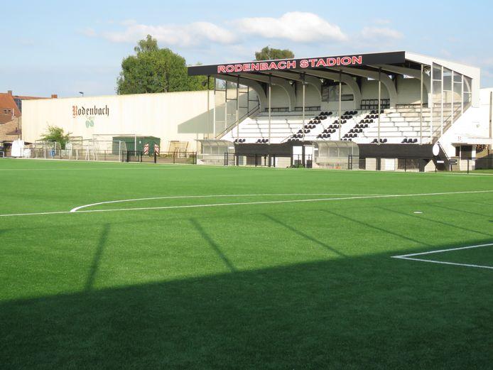 De match wordt gespeeld in het Rodenbachstadion.