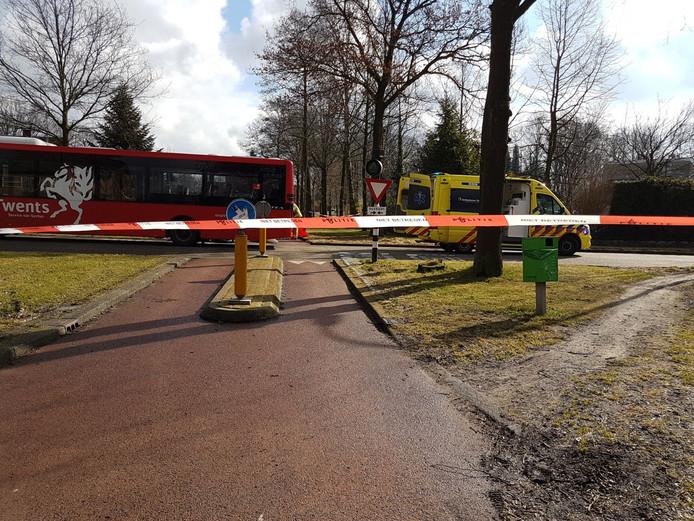 Het ongeluk gebeurde bij de oversteek van de Kroeskarperstraat naar de Graskarperstraat.
