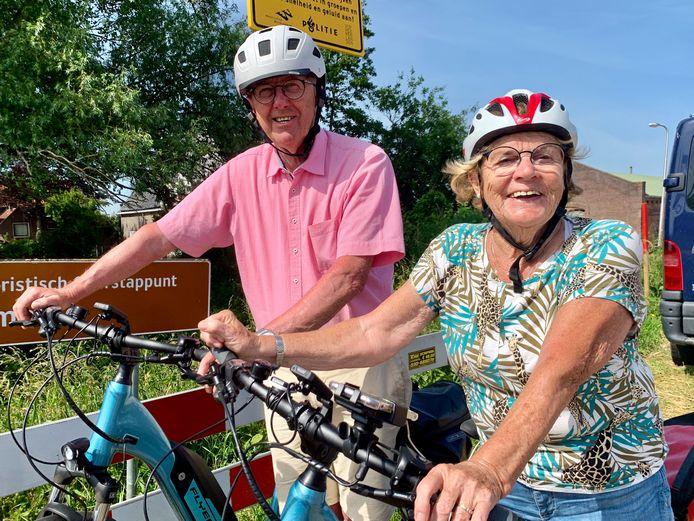 Anneke van Doesburg en Jan Groeneveld uit Werkendam, beiden 75. Anneke was professioneel wielrenner in de tijd dat vrouwen dat eigenlijk niet 'deden'. Jan voetbalde bij Kozakken Boys.