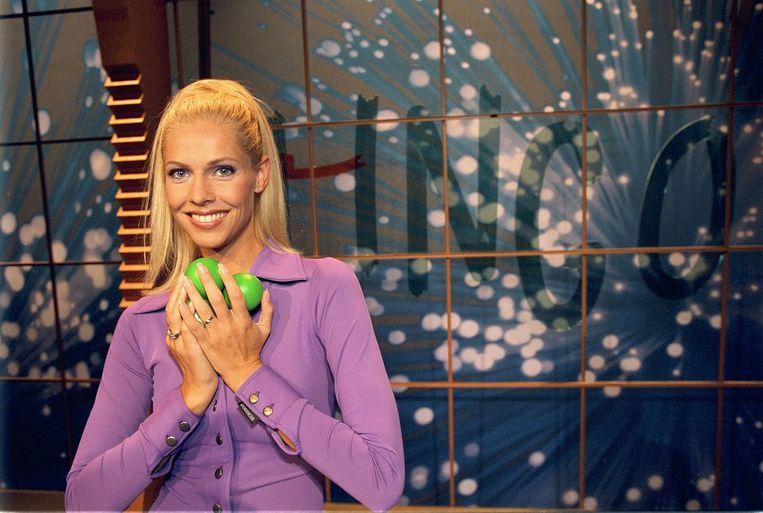 Presentatrice Nance in 2000.<br /><br />Lingo vierde begin dit jaar zijn 25-jarig bestaan. Op 5 januari 1989 was de eerste aflevering op de buis, onder leiding van presentator Robert ten Brink. Ook onder anderen François Boulangé en Nance leidden het woordspel. Sinds september 2005 is Lucille Werner het vaste gezicht. Beeld ANP