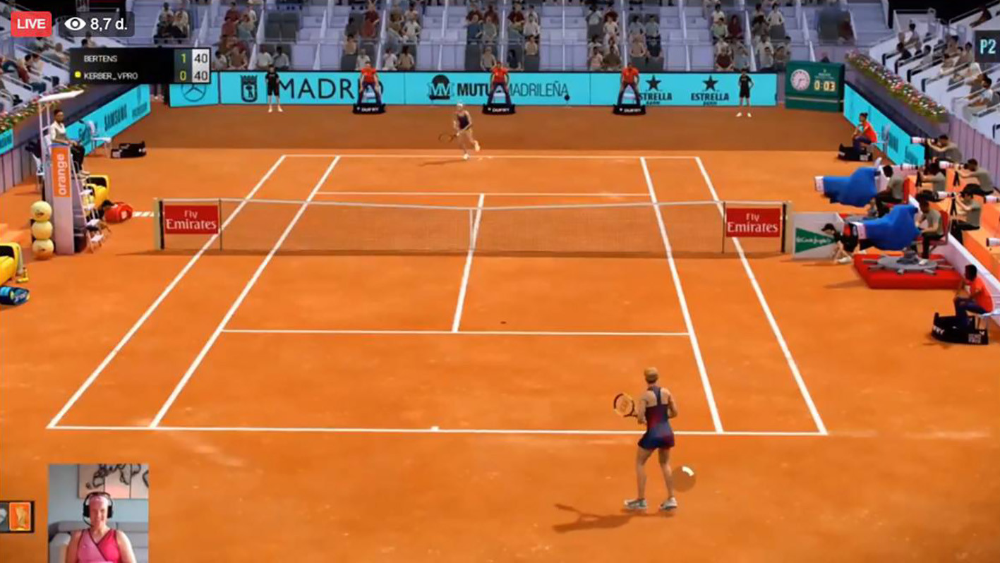 Kiki Bertens speelt virtueel tennistijdens het Mutua Madrid Open.