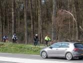 Cor vloog vijf meter door de lucht door een aanrijding met een zwijn: 'Bescherm fietsers op N224 tegen wild'