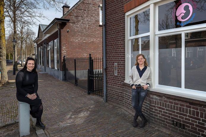 Lonneke Donkers (rechts) en Ank Rooijackers-van der Heijden voor hun nieuwe vestiging in Eersel.