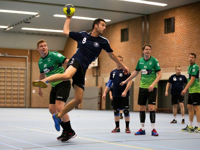 De Groene Ster tegen de Handbal Tilburg.