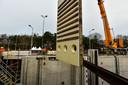 Enkele sluisdeuren in het Wilhelminakanaal bij Tilburg zijn opgebouwd uit composiet.
