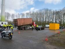 Veertien auto's in beslag genomen bij controle langs de A1 bij Deventer