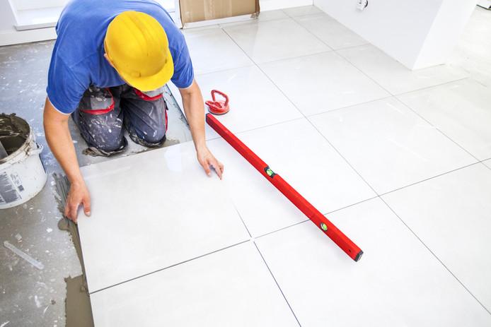 Vereniging Eigen Huis denkt dat veel ouderen de overwaarde van hun huis kunnen inzetten voor het toekomstbestendig maken van hun huis, bijvoorbeeld door de badkamer op de benedenverdieping te plaatsen.
