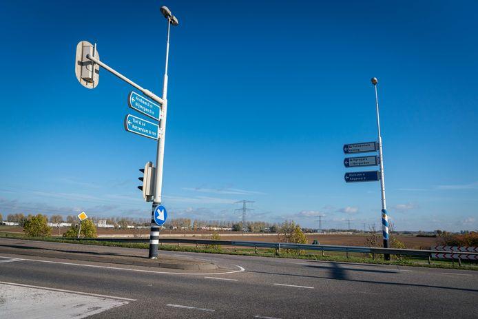 Vanaf dit punt moet de A15 worden doorgetrokken.