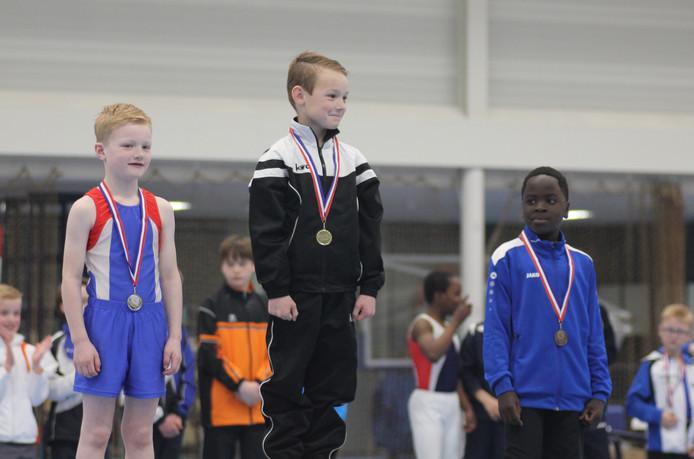 Tren Meuleman wint zes medailles met turnen