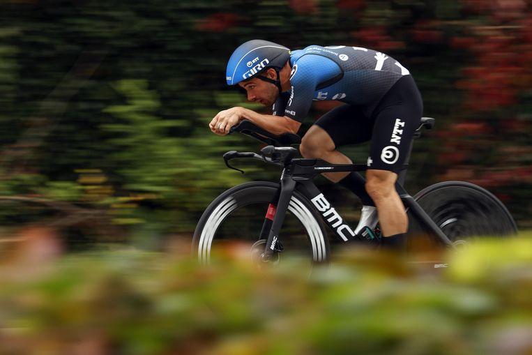 Victor Campenaerts, hier aan het werk tijdens de Giro, houder van het werelduurrecord, heeft nog geen werkgever voor volgend seizoen.  Beeld Photo News