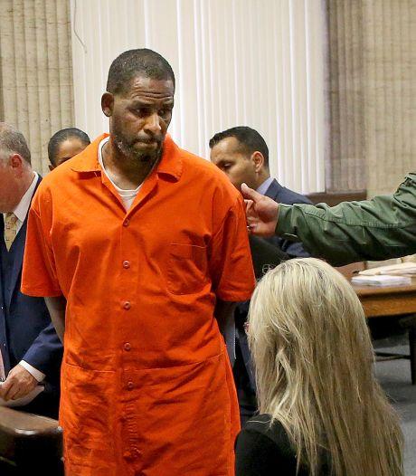 Handlanger R. Kelly stak auto in brand om vermeend slachtoffer te intimideren