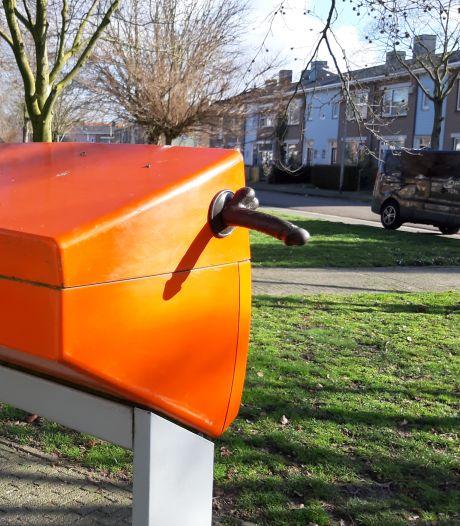 Dildoplakker pakt dit keer groots uit in Nijmegen: drie seksspeeltjes en wat te pikken voor vogels