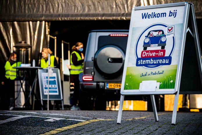 In Vught was vorig jaar bij wijze van proef al een drive-in stembureau ingericht. Toen bij de extra gemeenteraadsverkiezingen vanwege een gemeentelijke herindeling.