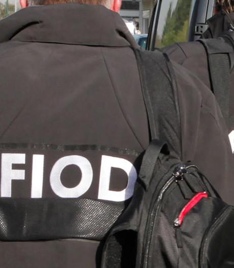 FIOD doorzoekt pand in Wezep na fraude door belastingadviseurs
