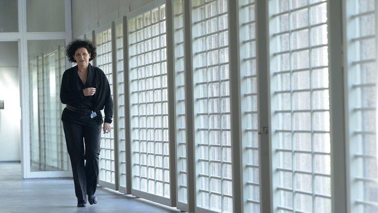 Justitieminister Annemie Turtelboom (Open Vld) in de gevangenis van Ittre. Beeld PHOTO_NEWS