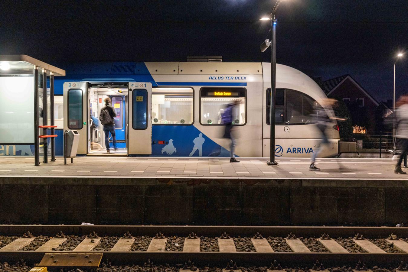 Op de Vechtdallijn wordt personeel beledigd, bespuugd en soms geslagen. De regionale VVD wil nu actie vanuit Den Haag.