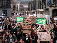Tentenkamp voor het stadhuis: 'Beleggers mogen Enschede niet overnemen!'