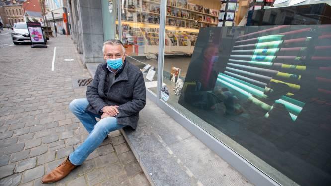 Cursisten fotografie presenteren werk in winkeletalages van binnenstad