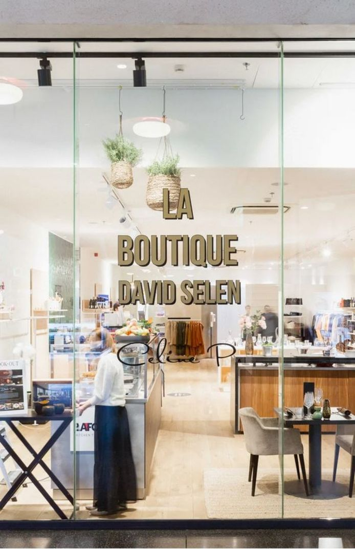 La Boutique by David Selen.