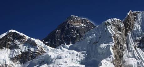 Une femme amputée gravit l'Everest
