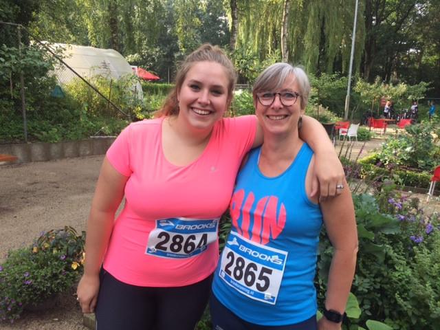 Katja Hoogteijling en haar dochter Jeske Adams.