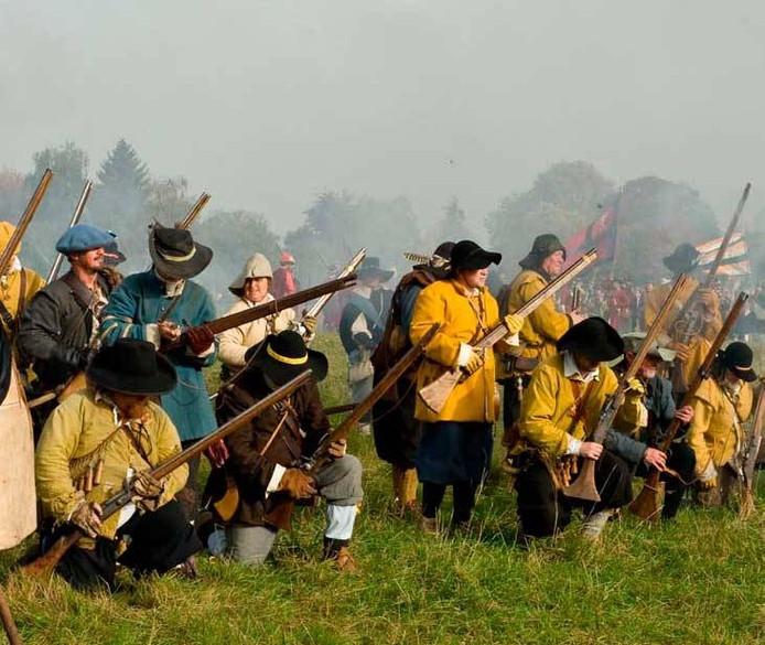 De belegering van Den Bosch wordt nagespeeld.