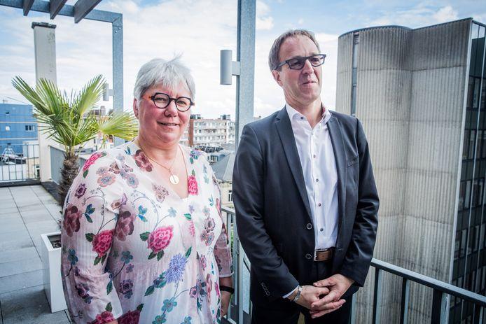 Mieke Van Herreweghe naast Rik Van de Walle bij de vorige rectorverkiezingen.