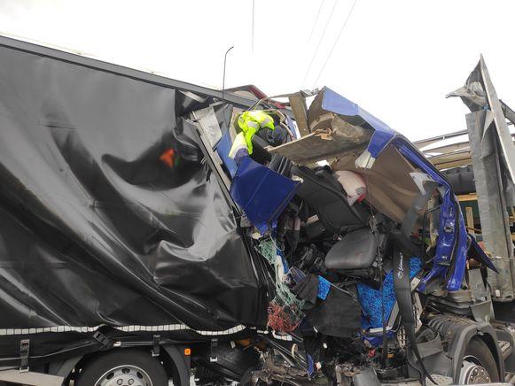 Bij het ongeval in Destelbergen raakte een Nederlandse trucker zwaargewond.