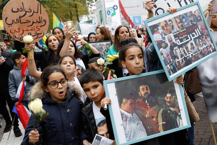 Protest op het Schouwburgplein tegen de situatie in het Rif-gebied in Marokko.