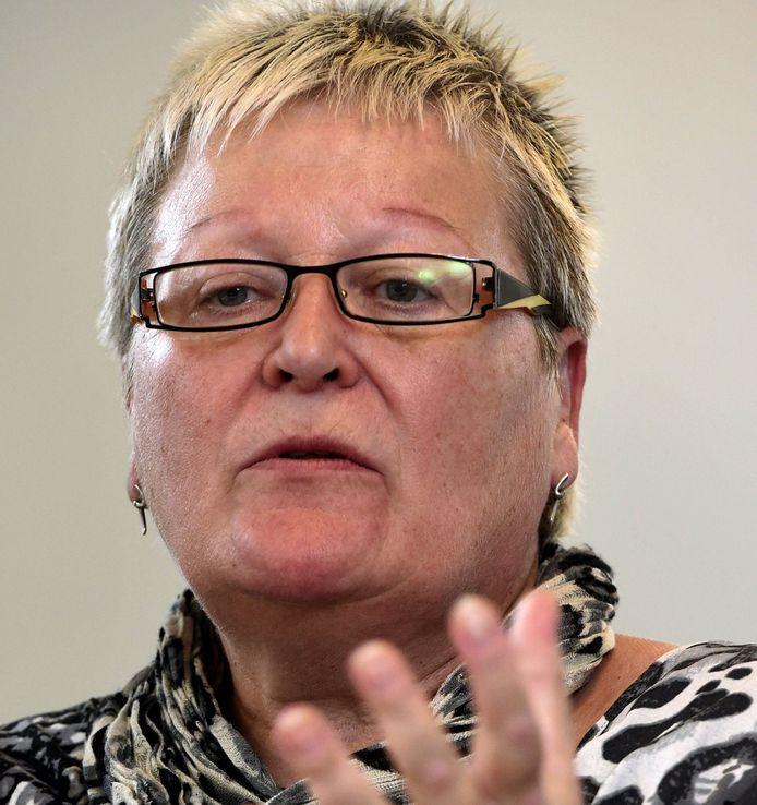 Marleen Adriaens van de vzw Matuta, die zich het lot aantrekt van vrouwen die gedwongen werden hun pasgeborene af te staan voor adoptie.
