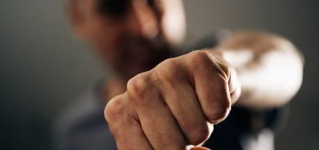 Man breekt kaak op twee plaatsen bij zware mishandeling in Arnhem