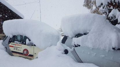 """Lawines en modderstromen teisteren zuidkant van Alpen: """"4.000 gezinnen zonder stroom"""""""