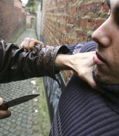 Ils menacent un jeune avec un couteau pour dix euros
