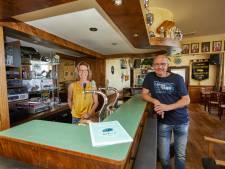 Nog 200.000 euro te gaan en dan is het hele Achterhoekse dorp eigenaar van café Halfweg