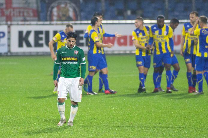 TOP Oss viert de gelijkmaker (1-1) tegen FC Dordrecht.