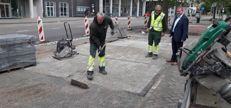 Proef met waterdoorlatende bestrating in Bergen op Zoom