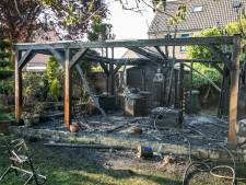 Barbecuebrand in Westervoort verwoest schuurtje