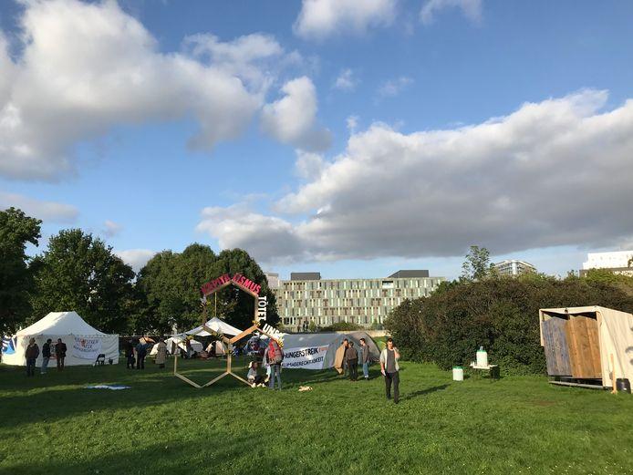 Het tentenkamp van de klimaatactivisten in de regeringswijk in Berlijn.