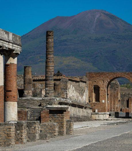 """Une touriste restitue des objets à Pompéi 15 ans après les avoir volés: """"Ils sont maudits"""""""