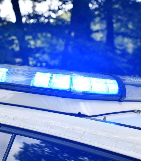 Vrouw rijdt door na ongeval in Almelo, jongen (11) blijft gewond achter: 'Mogelijk werkt ze in het ziekenhuis'