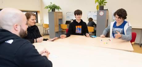 Ook hoogbegaafde jongeren vallen uit in het onderwijs: 'Het gaat plots bergafwaarts'